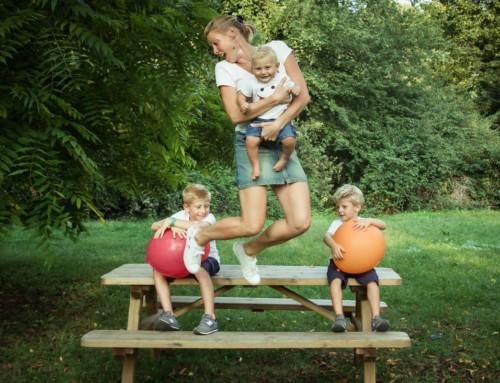Una mamma al parco :: ritratti di famiglia
